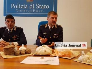 Oltre un chilo e mezzo di coca sequestrata, polizia arresta albanese a Perugia