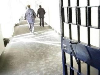 Regolamento di conti in carcere a Perugia tra marocchini e tunisini, uno in ospedale