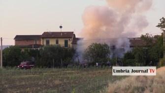 Esplosione e incendio a bastiola di bastia umbra (2)