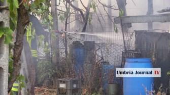 Esplosione e incendio a bastiola di bastia umbra (4)
