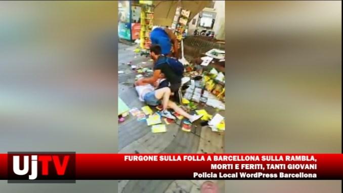 Furgone sulla folla sulla rambla a Barcellona, diversi feriti