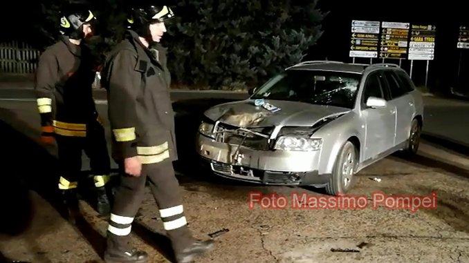 Incidente stradale a Magione, auto contro moto, grave ragazzo di 22 anni