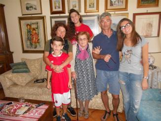 Ponte San Giovanni, Nonna Fausta ha 100 anni, festa grande in famiglia