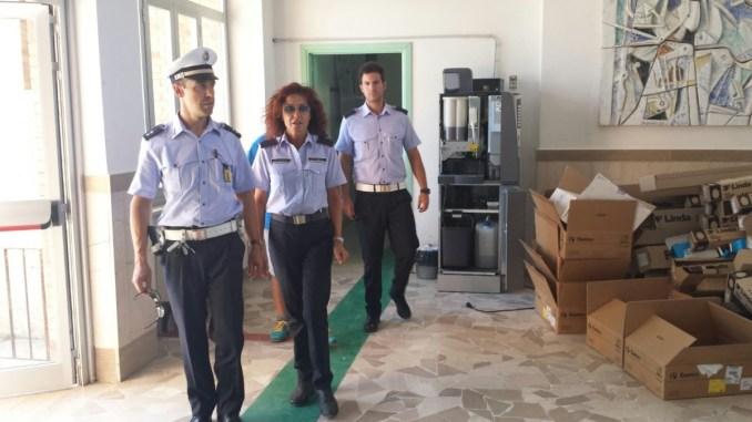 Ladri senza cuore a scuola, aperti anche gli zaini dei bambini a Pozzuolo