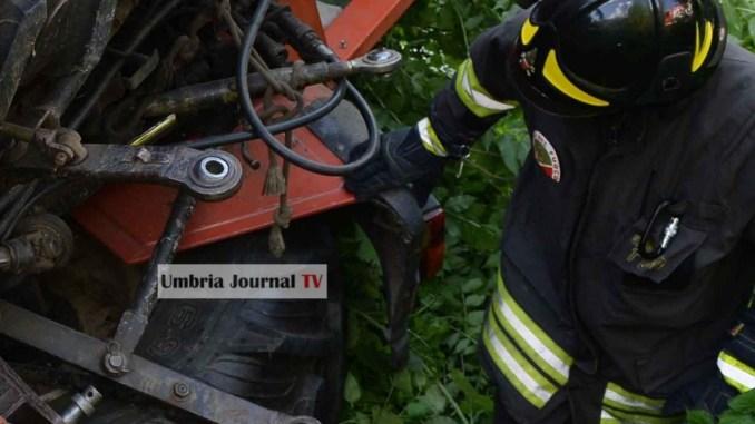Anziano muore schiacciato dal trattore a Casacastalda
