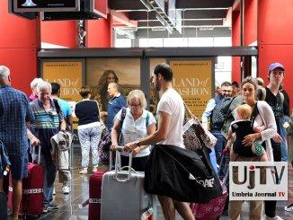 Aumentano i passeggeri all'aeroporto dell'Umbria, Mistral conferma voli