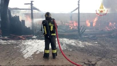 incendio-falegnameria-marsciano (3)
