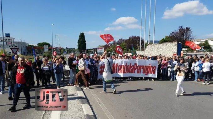 Iodifendolaperugina, vertenza Nestlè, operai bloccano la strada a San Sisto