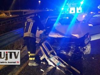 Incidente stradale nella notte sul Raccordo, auto su guardrail, due feriti