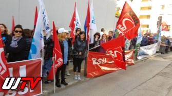Licenziamenti Colussi, lavoratori ancora una volta davanti a sede Confindustria