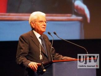 Assisi, Sergio Mattarella al Lyrick, occorre impegno generale per prevenzione [FOTO E VIDEO]