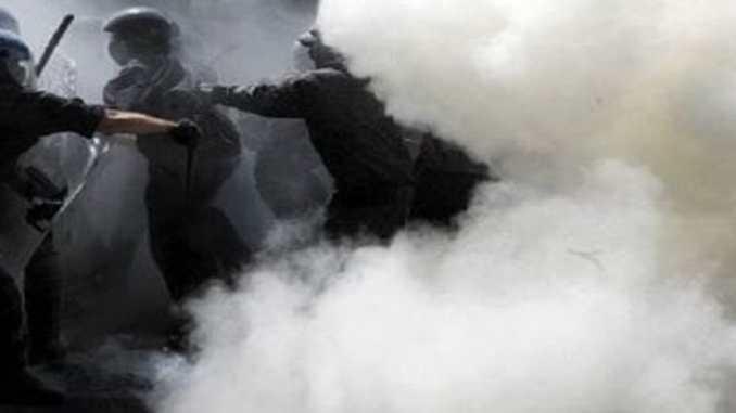 Lancia fumogeni e polizia gli dà il Daspo è tifoso del Venezia