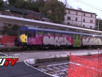 Nove bombe inesplose sono state trovate tra i binari della stazione di Ponte San Giovanni