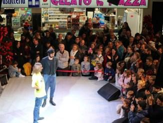 Lo spettacolo per il compleanno di Piazzaumbra (3)