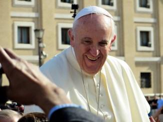 Torna il Papa ad Assisi venerdì 31 gennaio assemblea al Lyrick