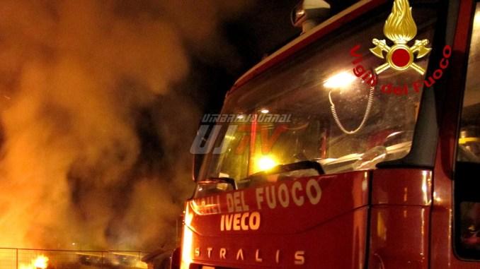 Presa l'incendiaria di Fontivegge, era in un parcheggio, bruciava cassonetti
