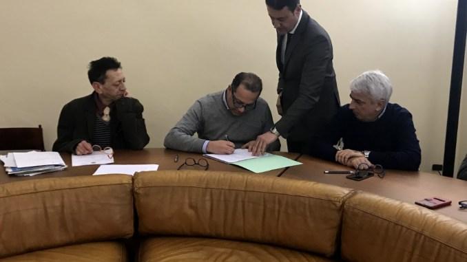 Circolo della Scherma-Comune, firmata la convenzione per il palazzetto. Alla società la gestione dell'impianto per i prossimi 25 anni.