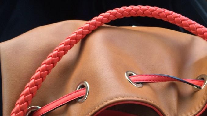 Ruba borsetta costosa in boutique di Corciano, denunciata serba da Polizia