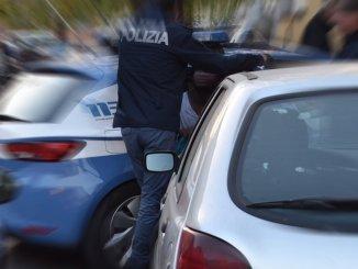 Inseguimento per le vie del centro di Foligno, arrestato marocchino