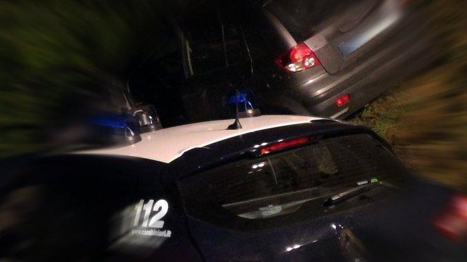 Rapina in villa nella notte a Stroncone, proprietari minacciati con le armi