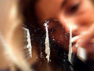 Vende tre grammi di cocaina, arrestato albanese senza fissa dimora