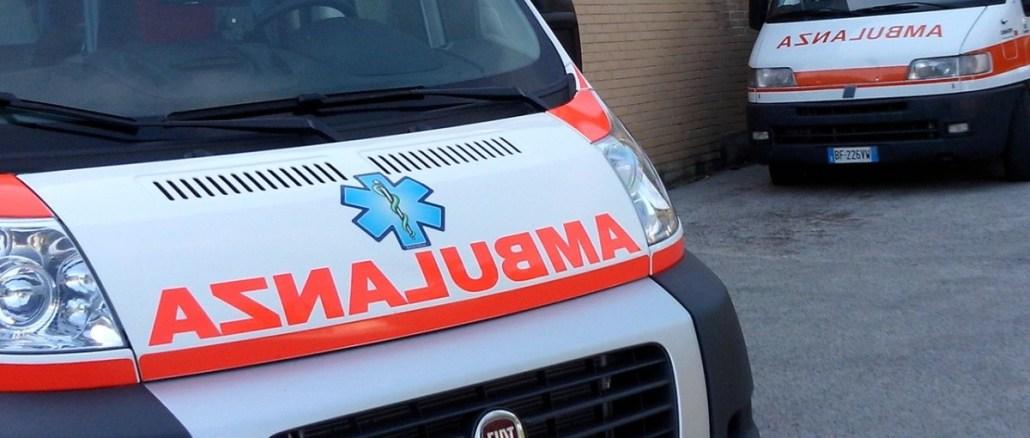 Incidente stradale a Terni, motociclista in ospedale, prognosi riservata