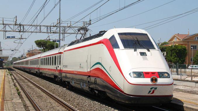 Treni non chiude servizio biglietteria Spoleto fermata freccia bianca