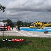 Cade dall'alto traumi in ogni parte del corpo è grave in ospedale a Perugia