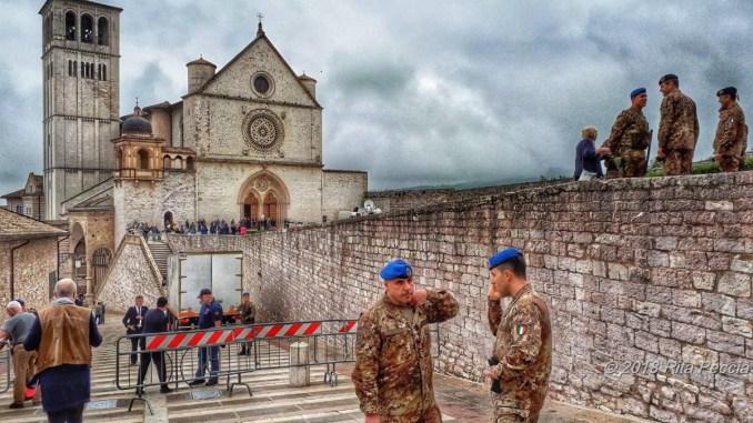 E' attesa ad Assisi per la Merkel e Santos, città blindata, tanti i giornalisti
