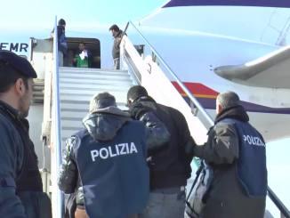 Immigrazione clandestina 346 i cittadini stranieri espulsi dal Perugino