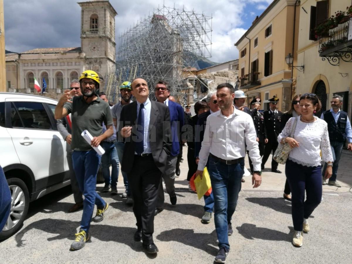 Alberto Bonisoli visita le zone terremotate, prima Visso, Norcia e poi Spoleto, a Santo Chiodo
