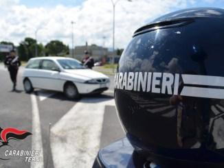 Spacciava cocaina e hashish in casa, Carabinieri terni arrestano tunisino