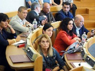 Edilizia scolastica zona sud Perugia maggioranza non vota
