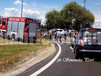 Incidente stradale con feriti a Todi, due auto, Panda contro Suv Kuga