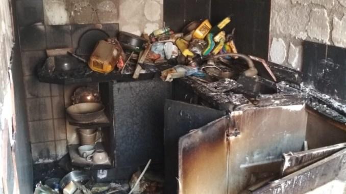 Incendio a Gualdo Tadino, abitazione in fiamme, 6 persone salve, anche bimbo e donna incinta