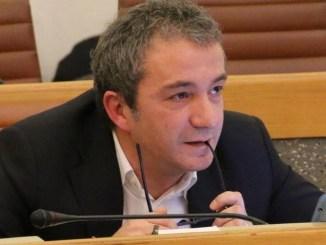 Cartelle non pagate, così l'assessore Calabrese si sfoga su Facebook