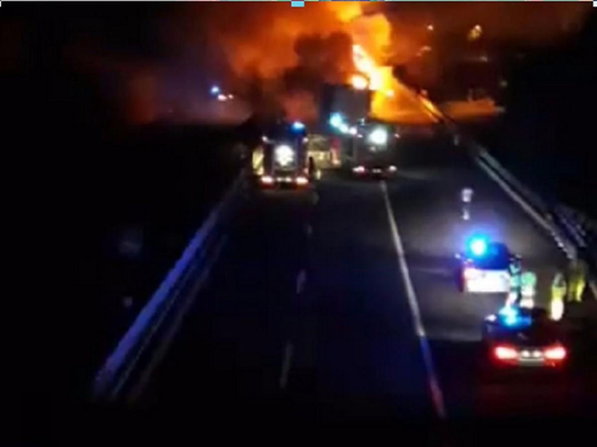 Incidente stradale sull'autostrada A1, coinvolti mezzi pesanti, ci sarebbe un morto