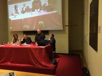 Editore e autori libro Leonardo da Vinci due bacchettate ad Andrea Giuli