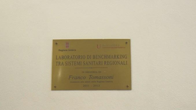 "Targa Laboratorio di benchmarking tra sistemi sanitari regionali ""Franco Tomassoni"""