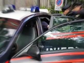 Armato di mattone e cacciavite aggredisce i carabinieri, arrestato, di nuovo