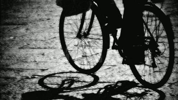 Ruba una bicicletta elettrica, incastrato dalle telecamere, succede ad Assisi