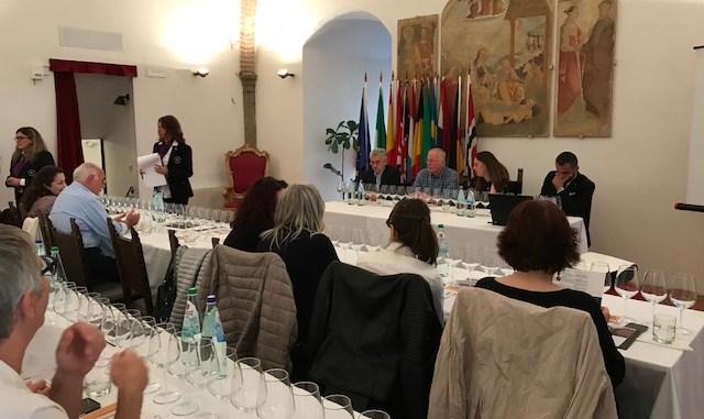 Tre cantine per il territorio, Massimo D'Alema produrrà il ciliegiolo