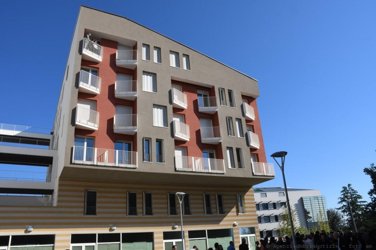 Nuova Monteluce, inaugurato studentato, ricomincia la vita in questo quartiere