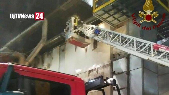 Incendio ad Assisi, fiamme in azienda di lavorazione acciaio inox