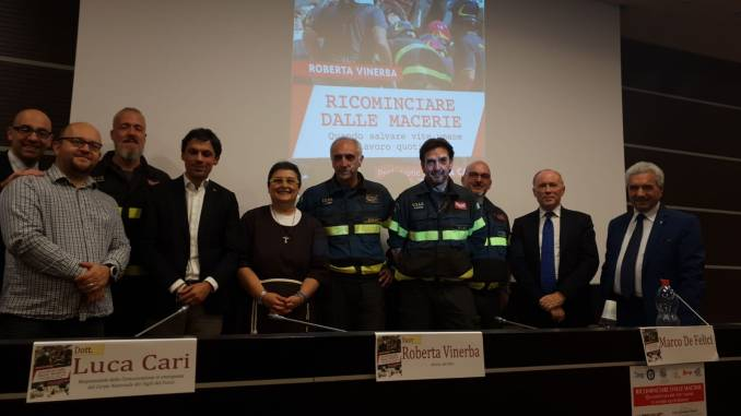 Presentato il volume di suor Roberta Vinerba dedicato ai Vigili del Fuoco