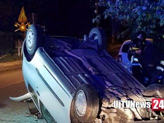Incidente stradale all'alba a Ponte San Giovanni di Perugia, auto si ribalta, ferita una ragazza