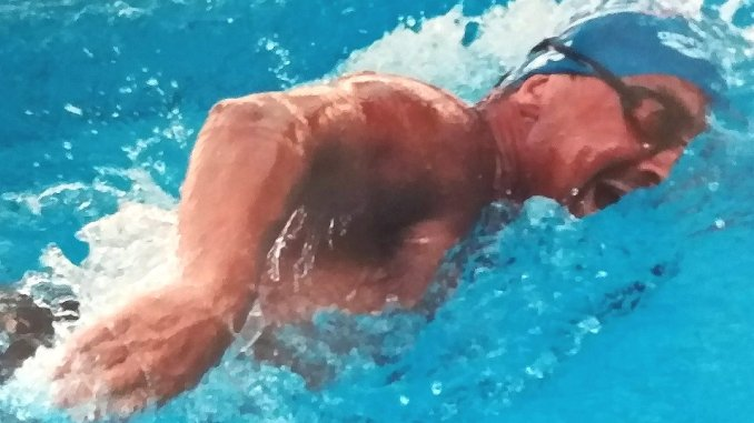 Marco Fratini stabilisce record del mondo nuota per 24 ore
