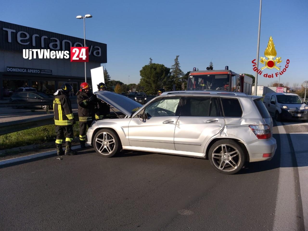 Centrale umbra 75 a Bastia incidente stradale, svincolo ad Umbriafiere un ferito
