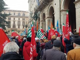 Manovra di bilancio, pensionati in piazza a Perugia e Terni