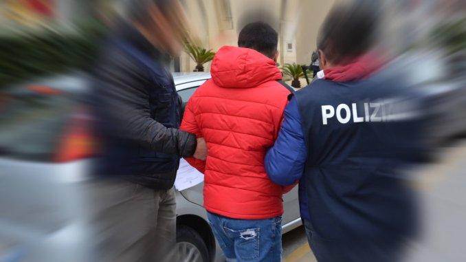 Straniero aggredisce la sorella, ieri l'arresto ad opera della Polizia, oggi convalidato